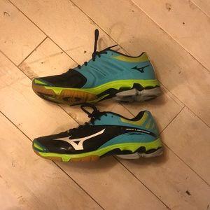 Mizuno Wave Lightning Volleyball Shoe